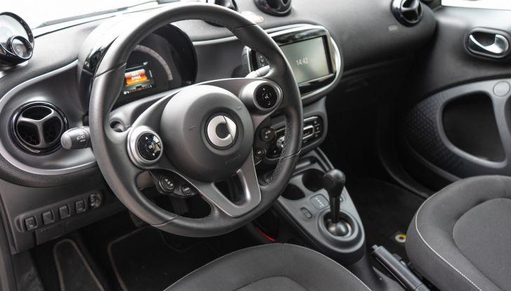 Prova Smart ForTwo Cabrio, la libertà della citycar per eccellenza - Foto 17 di 36