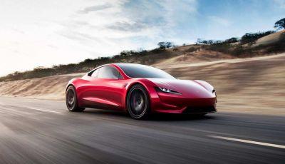 Tesla Roadster: una versione SpaceX con razzi posteriori!