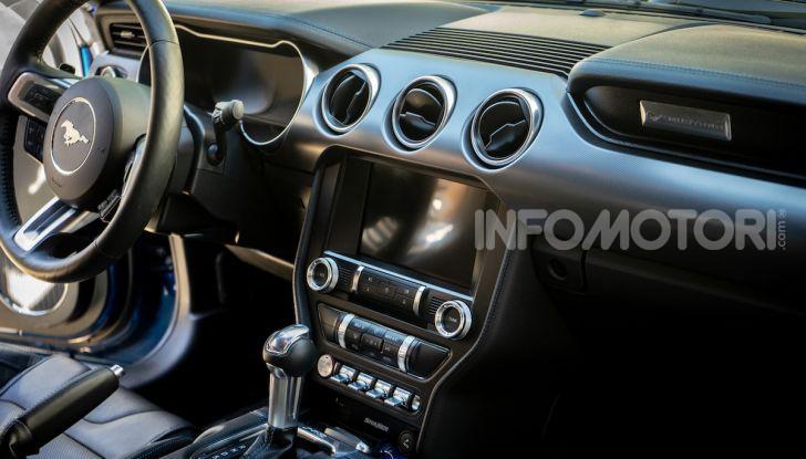 Nuova Ford Mustang GT 2018: La prova del V8 da 450CV - Foto 16 di 27