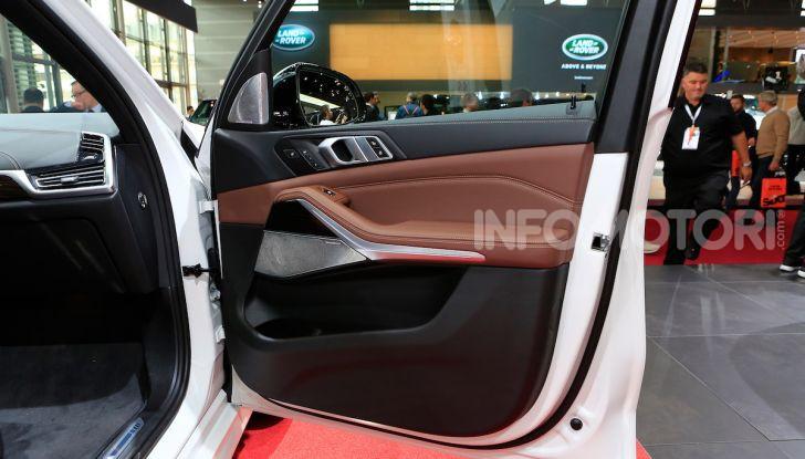 BMW X5, la quarta generazione debutta su strada - Foto 14 di 23