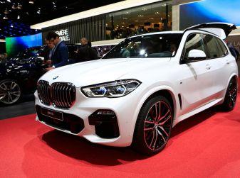 BMW X5, la quarta generazione debutta su strada