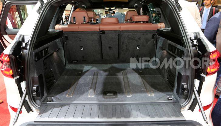 BMW X5, la quarta generazione debutta su strada - Foto 11 di 23
