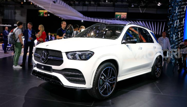 Mercedes-Benz GLE 2019: nuovi motori, tecnologia di riferimento e comfort superlativo - Foto 12 di 24