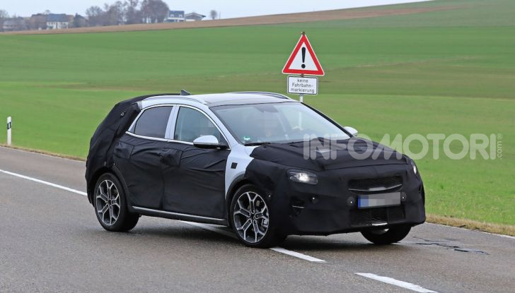 Kia Ceed SUV 2020: il terzo elemento tra Stonic e Sportage - Foto 18 di 31