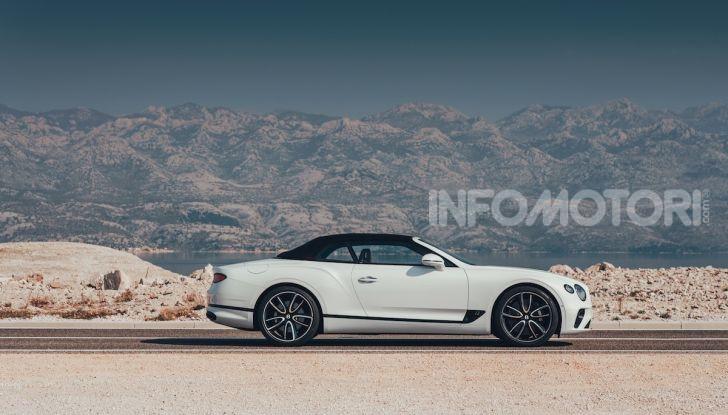 Bentley Continental GT Convertible 2019: lusso inglese allo scoperto - Foto 11 di 37
