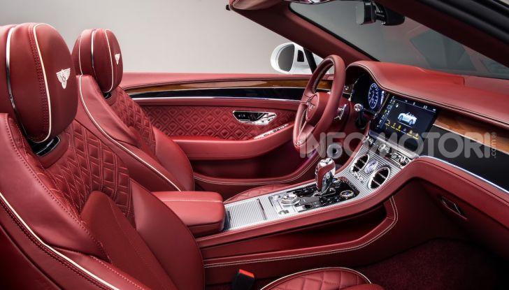 Bentley Continental GT Convertible 2019: lusso inglese allo scoperto - Foto 22 di 37