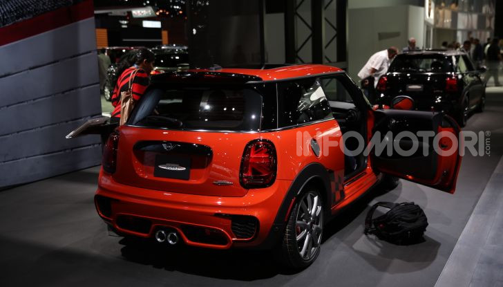 MINI, le foto LIVE dallo stand del Salone di Los Angeles 2018 - Foto 11 di 14