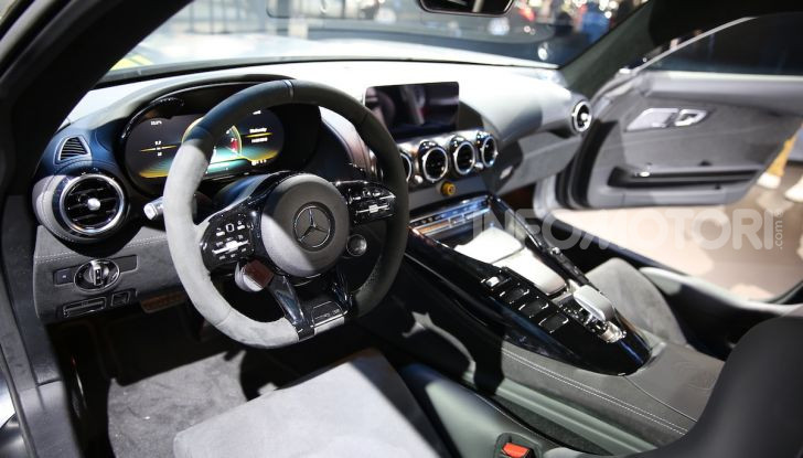 Mercedes-AMG GT R Pro: un'estrema supercar Made in Germany - Foto 10 di 12