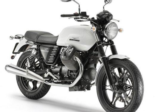 Nuova Moto Guzzi V7 test ride: classica, basic o sportiva - Foto 13 di 31