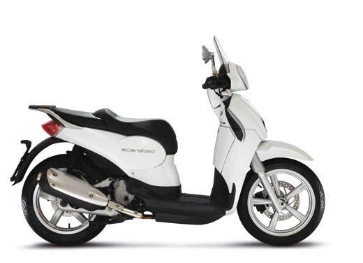 Aprilia Scarabeo 200 ie: prezzi, promozioni e novità dello scooter Aprilia - Foto 21 di 23