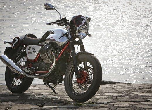 Nuova Moto Guzzi V7 test ride: classica, basic o sportiva - Foto 19 di 31