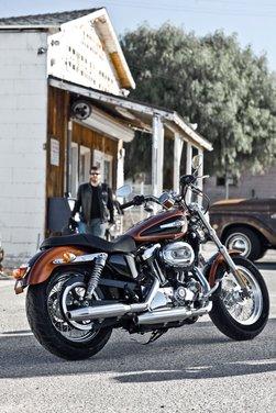 Harley Davidson 1200 Custom - Foto 32 di 34