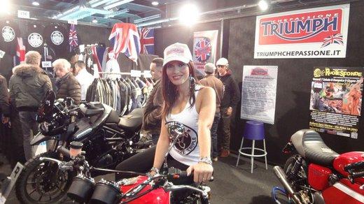Tutte le più belle ragazze del Motor Bike Expo 2013 – Seconda fotogallery - Foto 12 di 24