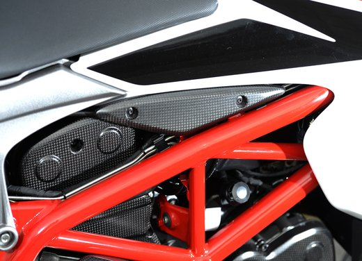 Nuova Ducati Hypermotard e Hypermotard SP prova su strada - Foto 24 di 35