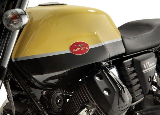 Nuova Moto Guzzi V7 test ride: classica, basic o sportiva - Foto 18 di 31