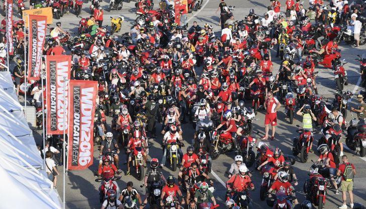 Ducati Supersport 936 2017: come ai vecchi tempi - Foto 16 di 29