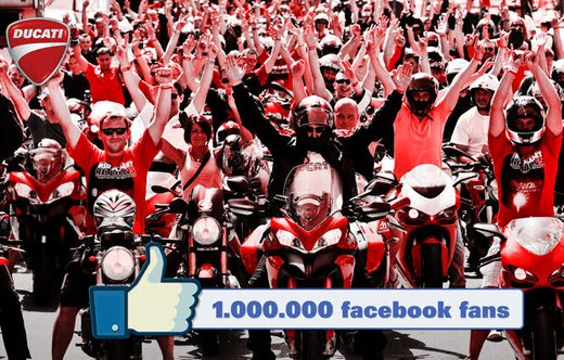 "Ducati oltre un milione di ""Mi piace"" - Foto 2 di 9"