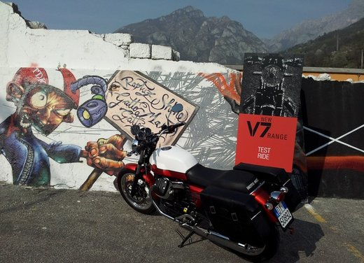 Nuova Moto Guzzi V7 test ride: classica, basic o sportiva - Foto 20 di 31