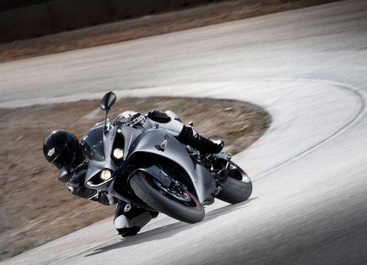 Yamaha YZF R1 - Foto 17 di 49