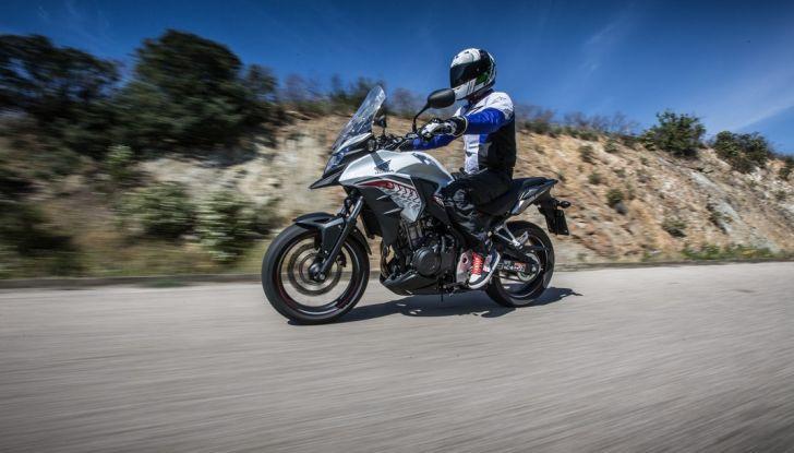 Test Honda CB 500X: divertimento e facilità immediata! - Foto 11 di 41