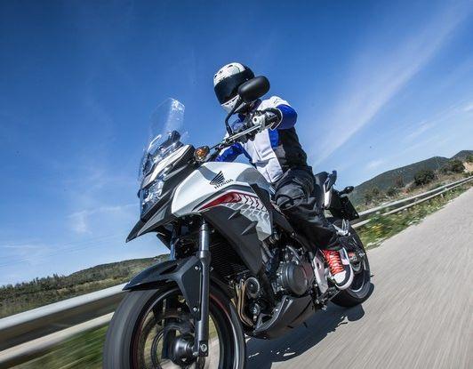 Test Honda CB 500X: divertimento e facilità immediata! - Foto 12 di 41