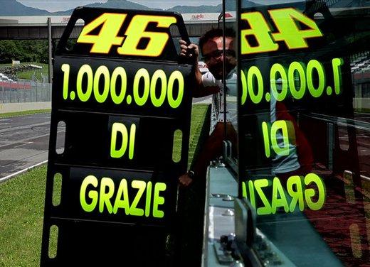 "Ducati oltre un milione di ""Mi piace"" - Foto 3 di 9"