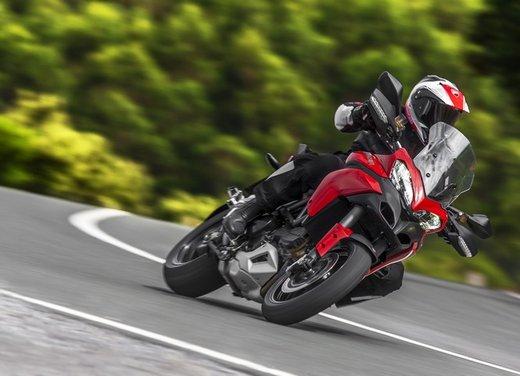 Ducati Hyperstrada, Hypermotard SP e Ducati Multistrada 1200 S Touring per l'Hyper Winter - Foto 10 di 30