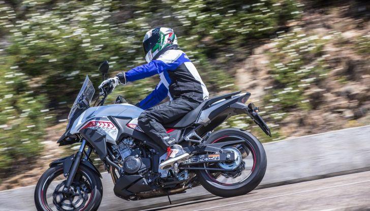 Test Honda CB 500X: divertimento e facilità immediata! - Foto 15 di 41
