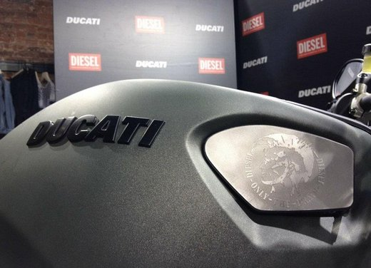 Ducati Monster Diesel nei Ducati Store - Foto 22 di 38