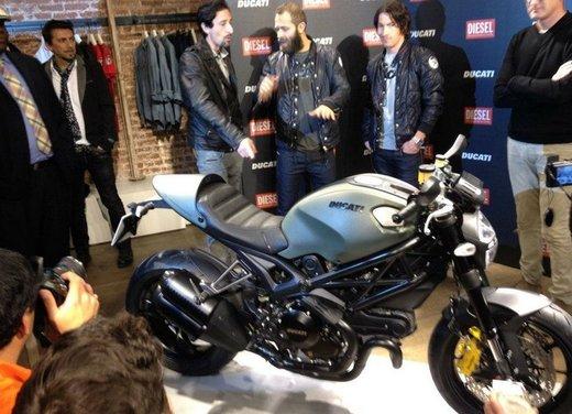Ducati Monster Diesel nei Ducati Store - Foto 2 di 38