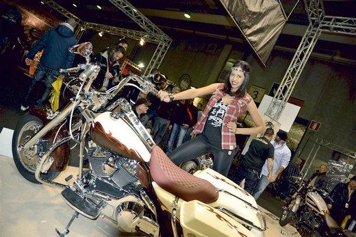 Tutte le più belle ragazze del Motor Bike Expo 2013 – Seconda fotogallery - Foto 6 di 24