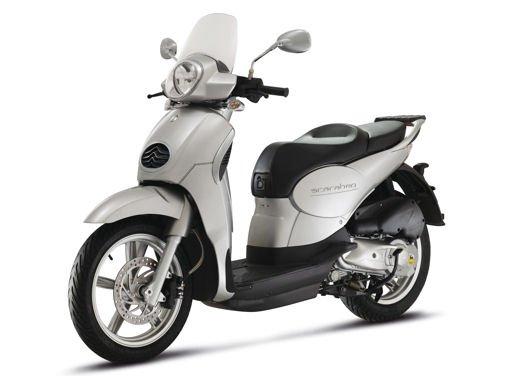 Aprilia Scarabeo 200 ie: prezzi, promozioni e novità dello scooter Aprilia - Foto 22 di 23