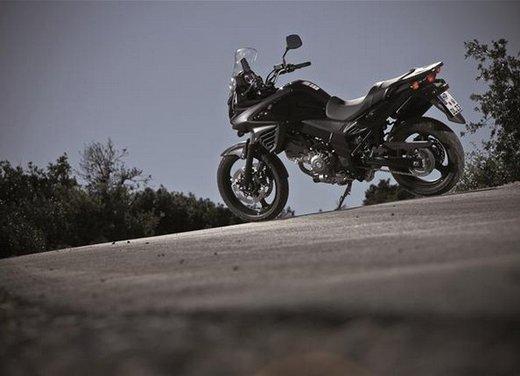 Suzuki V-Strom 650 ABS, tre kit in promozione - Foto 28 di 32