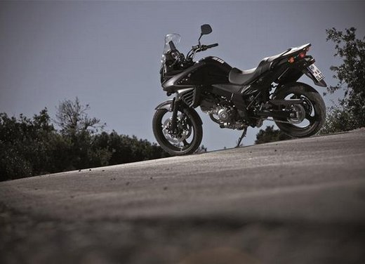 Suzuki V-Strom 650 ABS, tre kit in promozione - Foto 12 di 32
