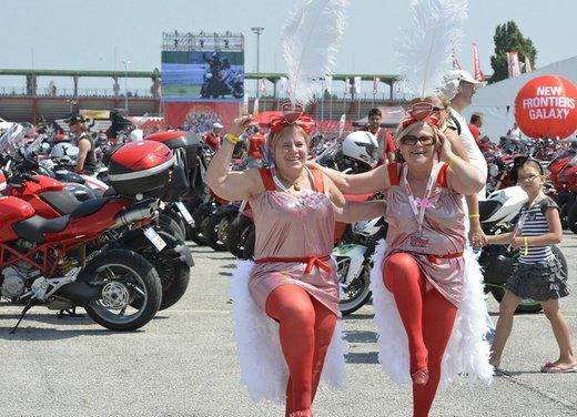 World Ducati Week 2012: Carlos Checa in sella alla Ducati 1199 Panigale - Foto 8 di 15