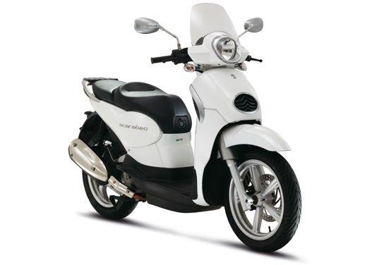 Aprilia Scarabeo 200 ie: prezzi, promozioni e novità dello scooter Aprilia - Foto 23 di 23