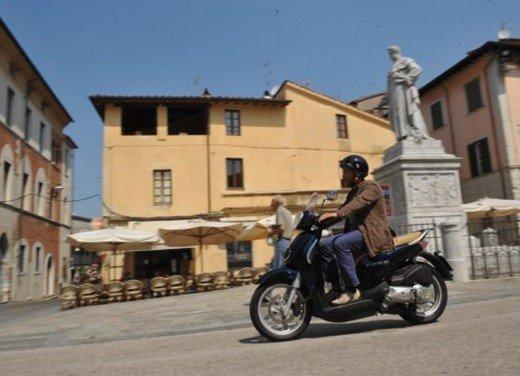Aprilia Scarabeo 200 ie: prezzi, promozioni e novità dello scooter Aprilia - Foto 12 di 23