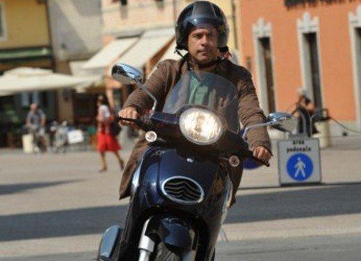 Aprilia Scarabeo 200 ie: prezzi, promozioni e novità dello scooter Aprilia - Foto 17 di 23