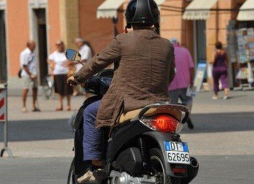 Aprilia Scarabeo 200 ie: prezzi, promozioni e novità dello scooter Aprilia - Foto 14 di 23