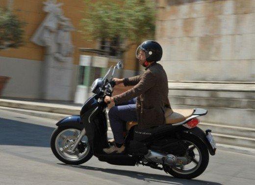 Aprilia Scarabeo 200 ie: prezzi, promozioni e novità dello scooter Aprilia - Foto 1 di 23