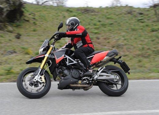 Aprilia Dorsoduro 1200 test ride: potenza sotto controllo - Foto 14 di 43