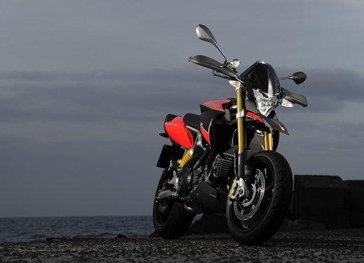Aprilia Dorsoduro 1200 test ride: potenza sotto controllo - Foto 21 di 43