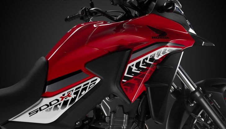 Test Honda CB 500X: divertimento e facilità immediata! - Foto 28 di 41