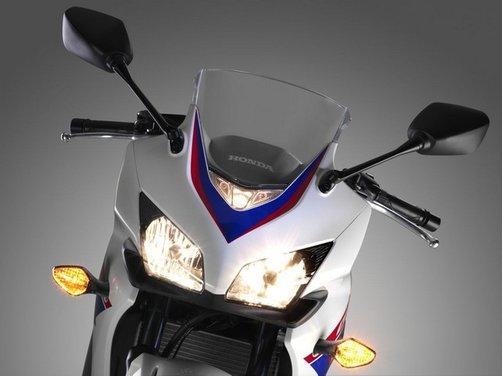 La serie Honda CB 500 in vendita da marzo con prezzi a partire da 5.500 Euro - Foto 4 di 10