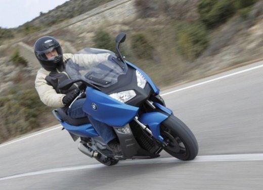 BMW C 600 Sport: prova su strada dello scooter sportivo tedesco - Foto 12 di 28
