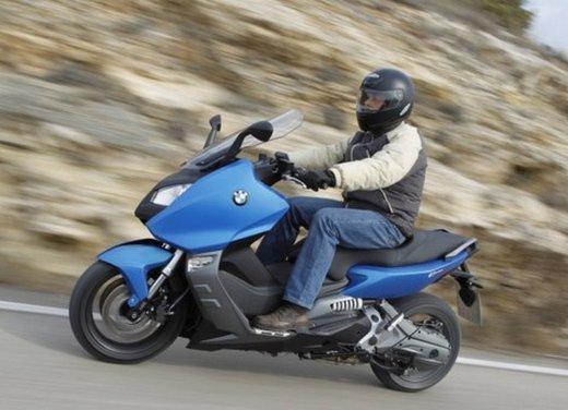 BMW C 600 Sport: prova su strada dello scooter sportivo tedesco - Foto 18 di 28