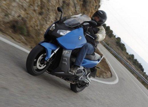 BMW C 600 Sport: prova su strada dello scooter sportivo tedesco - Foto 25 di 28