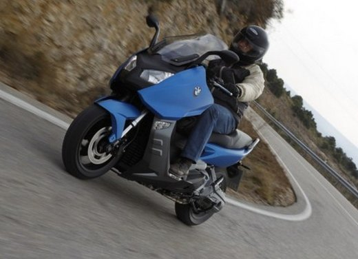 BMW C 600 Sport: prova su strada dello scooter sportivo tedesco - Foto 26 di 28