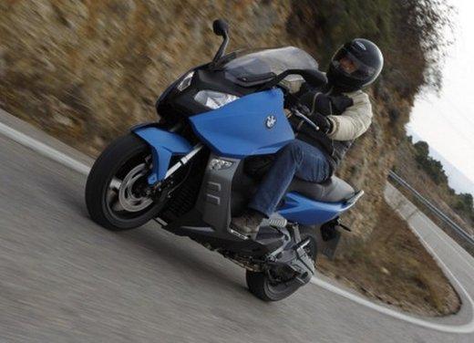 BMW C 600 Sport: prova su strada dello scooter sportivo tedesco - Foto 27 di 28