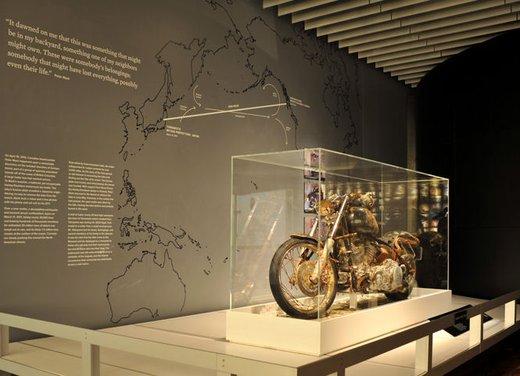 La Harley-Davidson sopravvissuta allo tsunami esposta al museo di Milwaukee - Foto 3 di 7